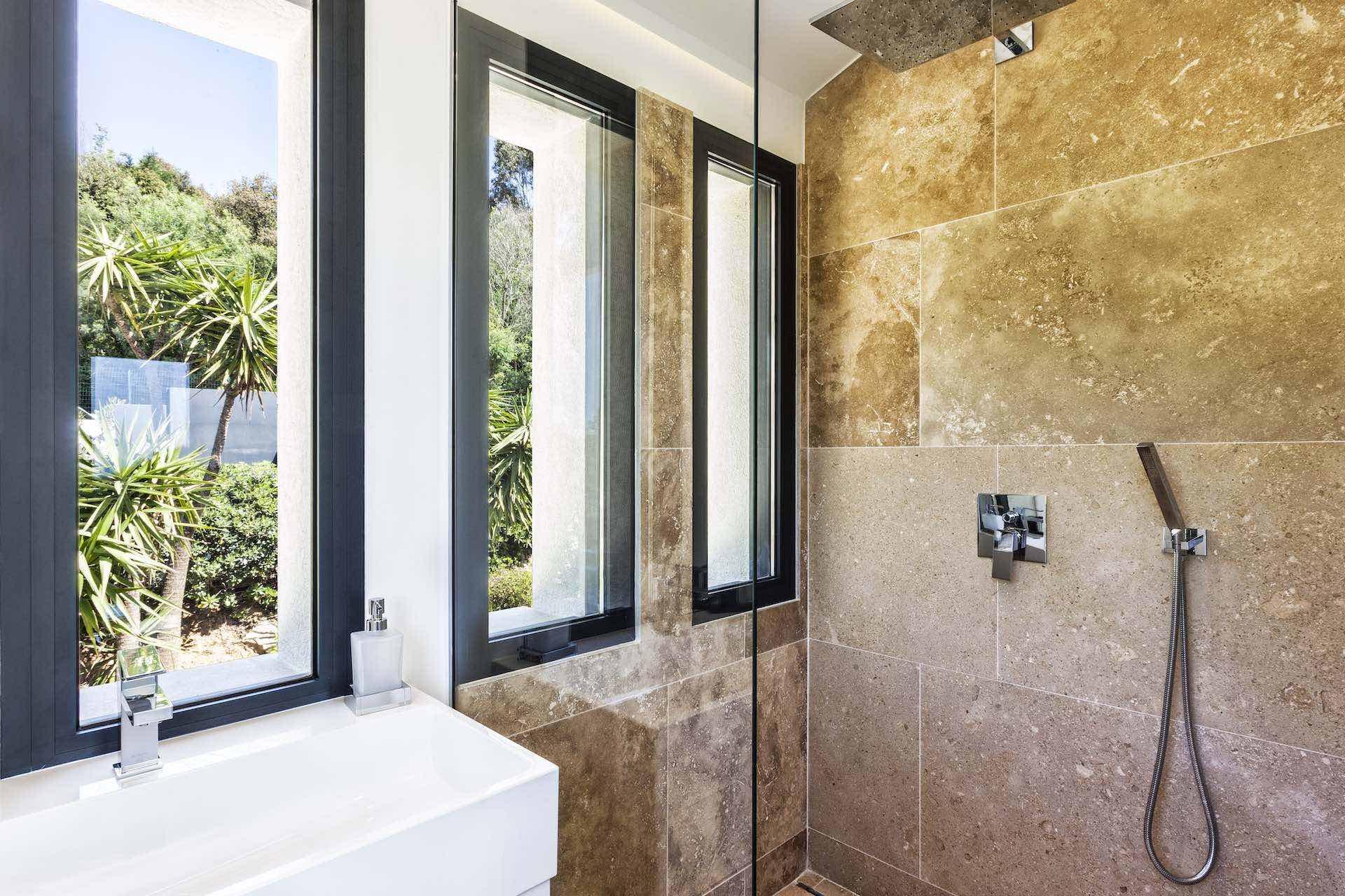 Villa Colibri Bathroom